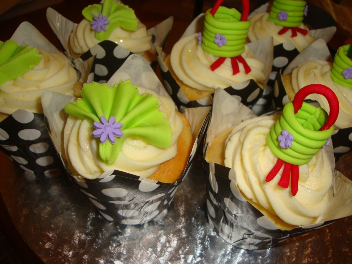 Chinese Themed Cupcakes