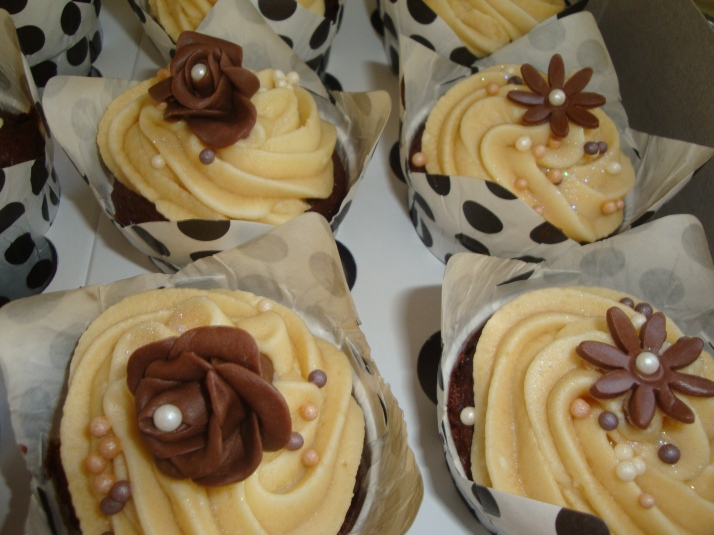 Chocolate Cupcakes with Chocolate Roses