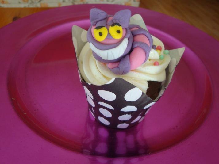 Cupcake with Sugarpaste Cheshire Cat