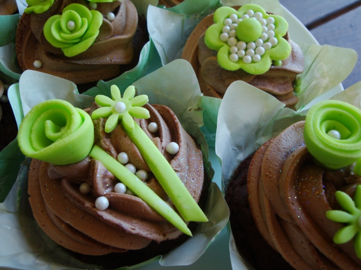 Lime Green & Chocolate Cupcakes