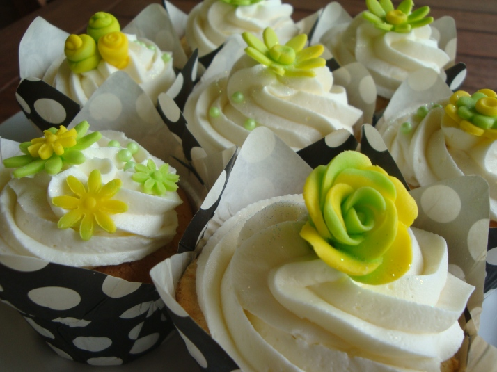 Lime Green & Yellow Flower Cupcakes