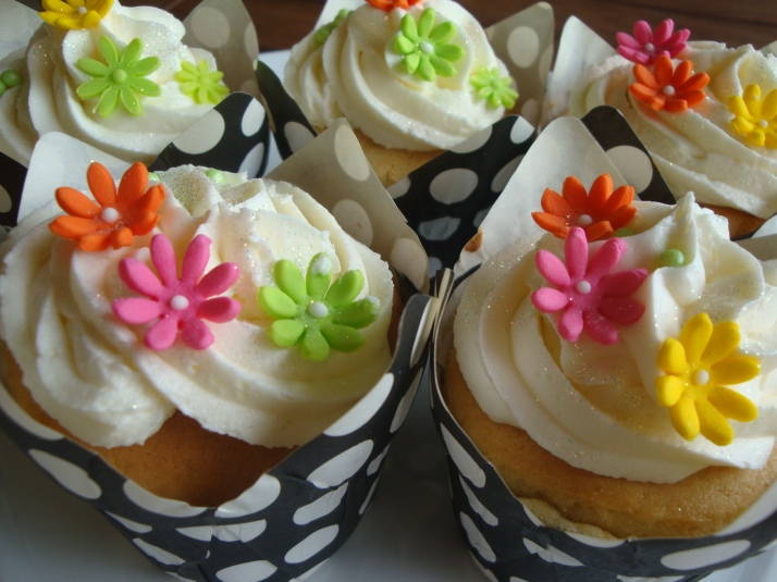 Small Bright Flower Cupcakes