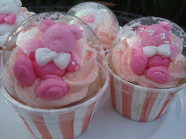 Snowglobe Pink Teddies Cupcakes