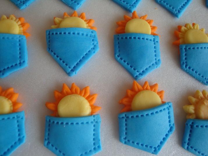 Sun in my Pocket Cupcake Sugar Art