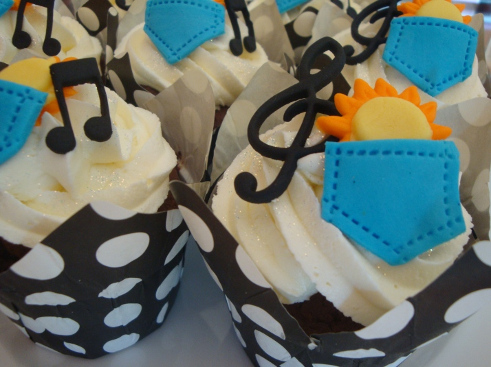 Sun in my Pocket Cupcakes/Locnville Cupcakes