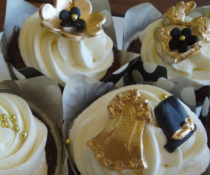 Black & Gold Bachelorette Cupcakes