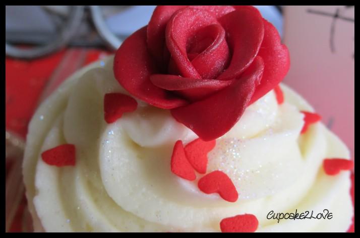 'Valentines Rose Cupcake
