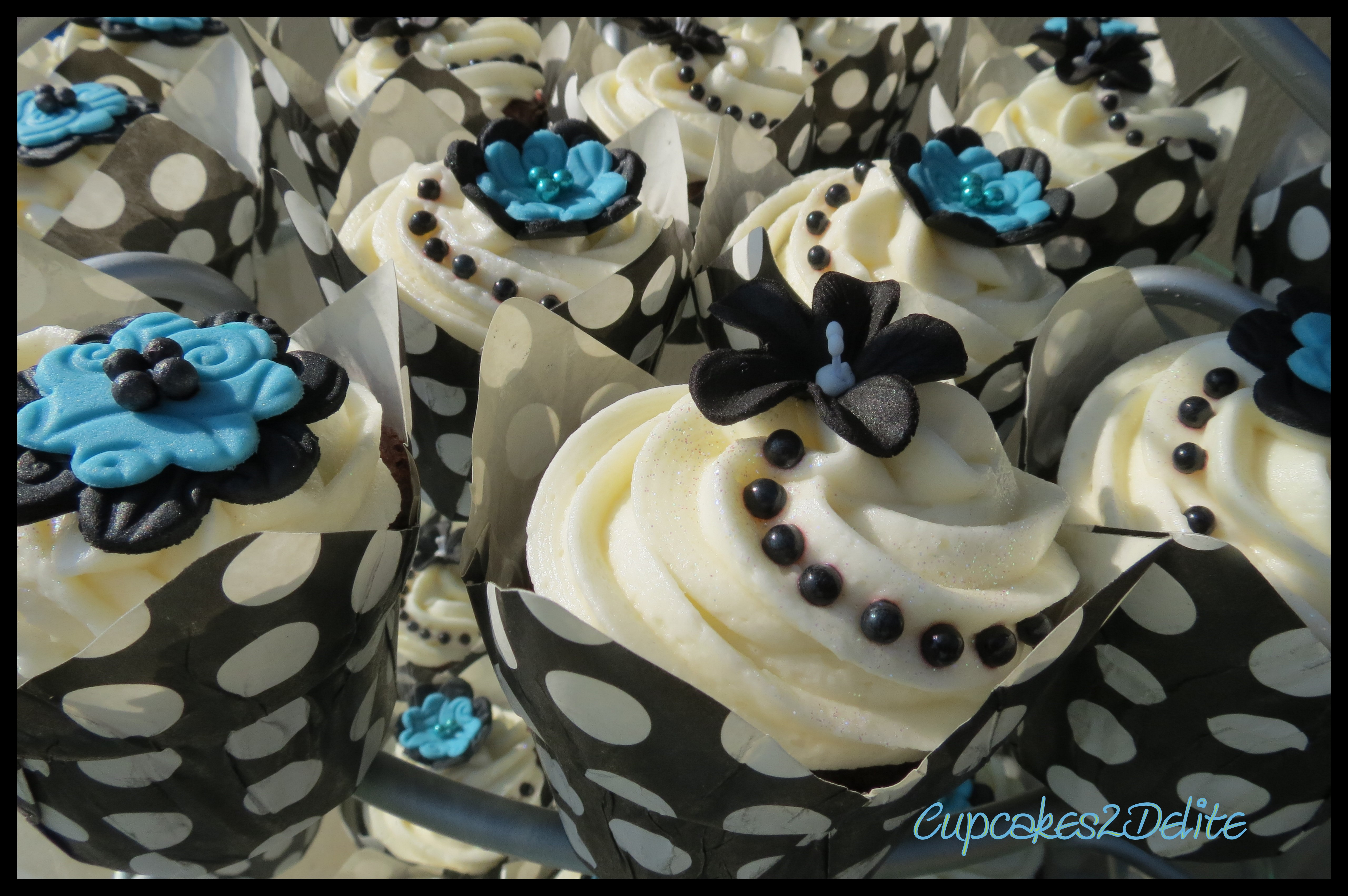 Turquoise and Black Wedding Cupcakes