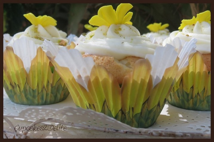 Honey & Pistachio Cupcakes