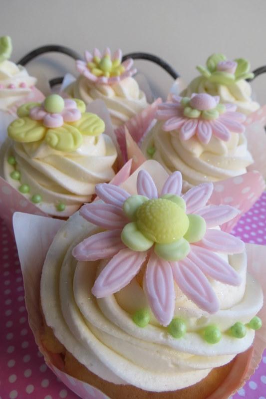 Green yellow flower cupcakes cupcakes2delite pastel pink green yellow flower cupcakes mightylinksfo