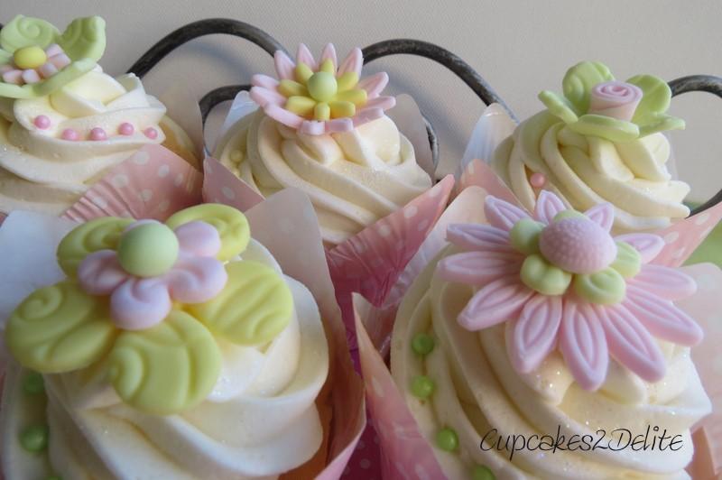 Green Yellow Flower Cupcakes Cupcakes2delite
