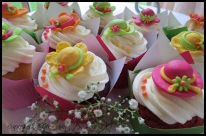 Cupcakes with Summer Hats