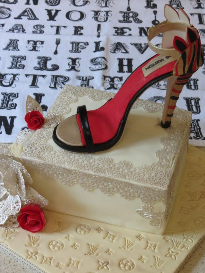 Louis Vuitton Shoe Cake  (36)