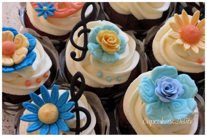 Owl & Flower Cupcakes