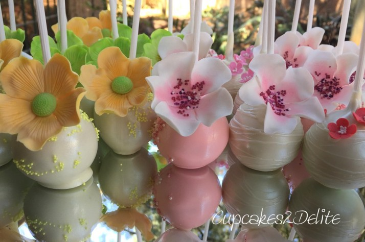 Cakepops by Gail Freer of Popcakes Flowers by Cupcakes2Delite