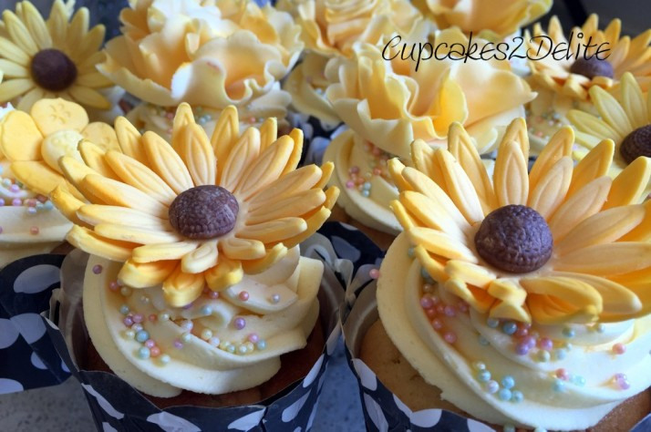 Yellow flower cupcakes for gaby cupcakes2delite yellow flower cupcakes mightylinksfo