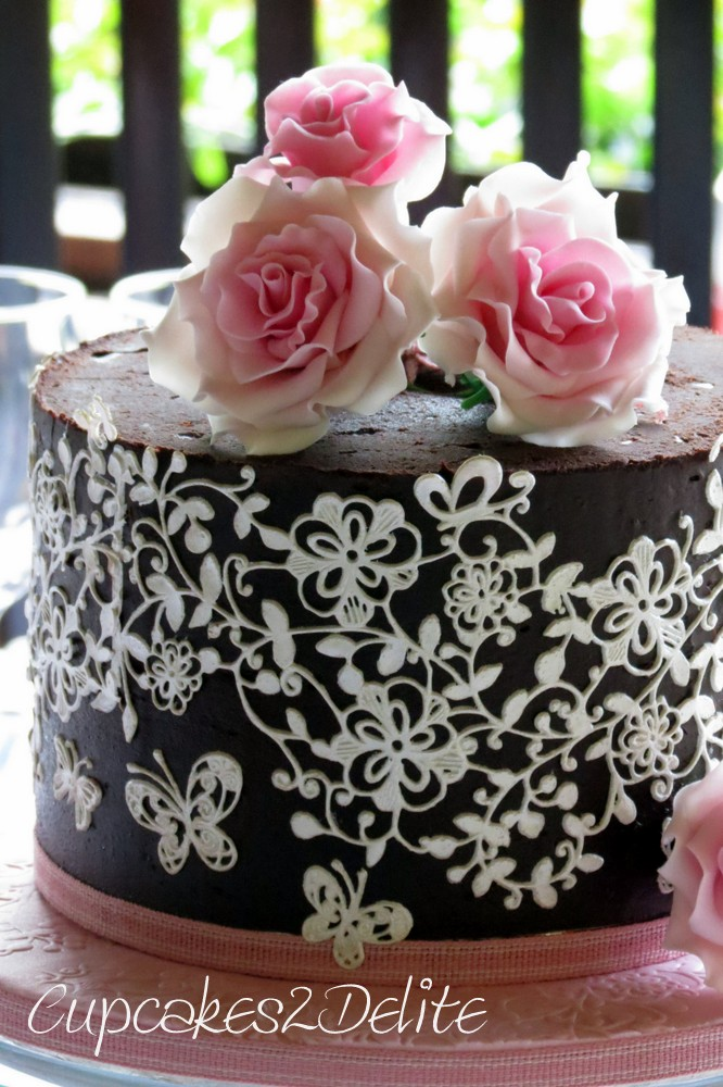 Pink Rose & Wilo-the-Wisp Lace Cake